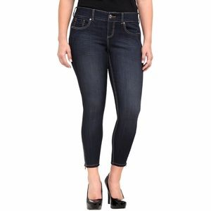 Torrid / Stiletto Ankle Zip Jeans 24